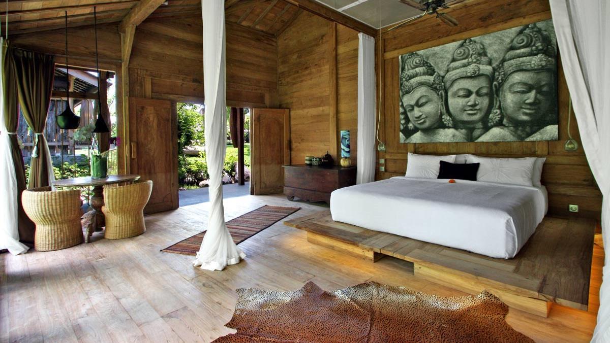 Bedroom with Wooden Floor - Bali Ethnic Villa - Umalas, Bali