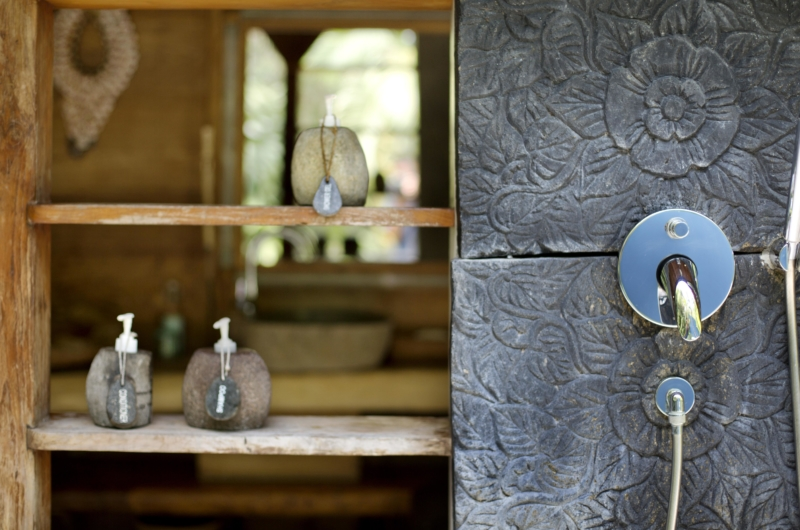 Bathroom with Shower - Bali Ethnic Villa - Umalas, Bali