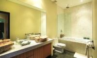 Bathroom with Bathtub - Bali Beach Pad - Seminyak, Bali
