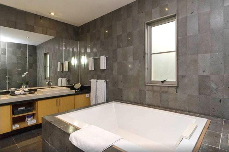 Spacious Bathroom with Bathtub - Bali Island Villas - Seminyak, Bali