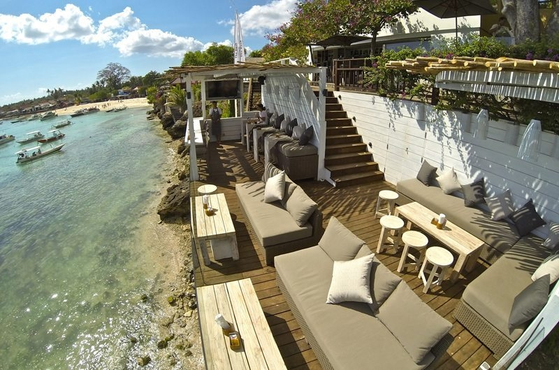 Seating Area near the Beach- Batu Karang Lembongan Resort - Nusa Lembongan, Bali