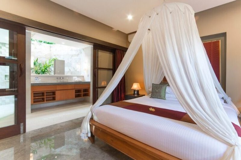Bedroom with Mosquito Net - Villa Bayu Gita - Sanur, Bali