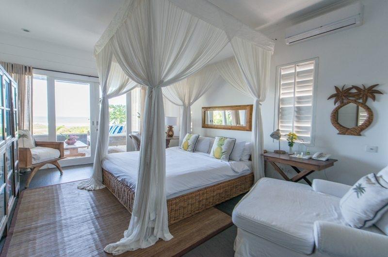 Bathroom with Seating Area - Beach Club Villa Bali - Canggu, Bali