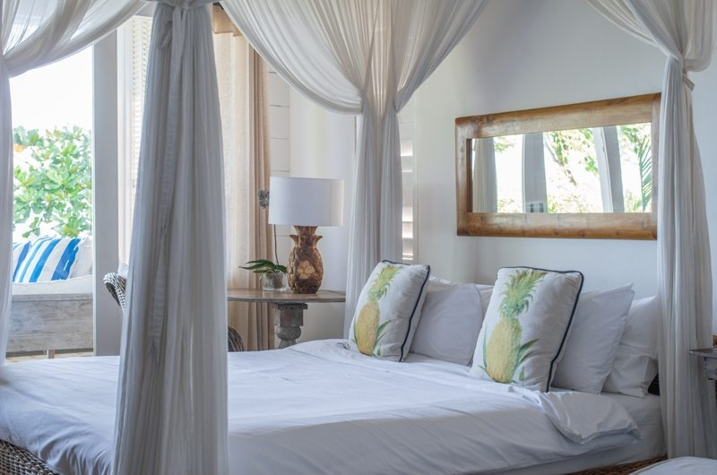 Four Poster Bed - Beach Club Villa Bali - Canggu, Bali