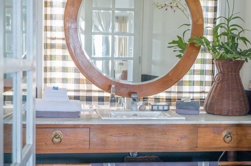 Bathroom with Mirror - Beach Club Villa Bali - Canggu, Bali