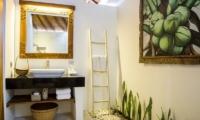 Bathroom - Bersantai Villas Villa Kundalini - Nusa Lembongan, Bali