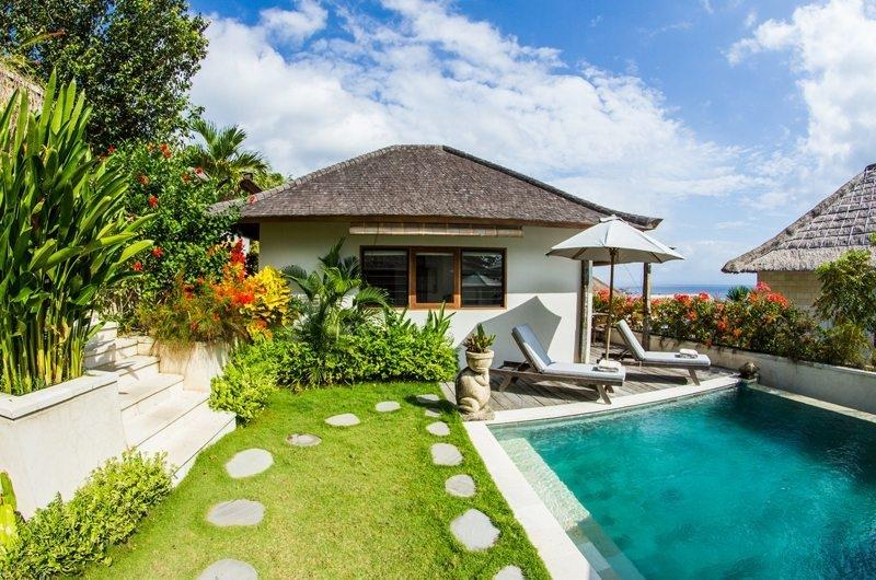 Pool Side - Bersantai Villas Villa Sinta - Nusa Lembongan, Bali