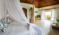 Spacious Bedroom - Bersantai Villas Villa Sinta - Nusa Lembongan, Bali