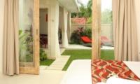 Bedroom with Garden View - Briana Villa - Batubelig, Bali