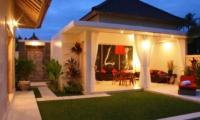 Night View - Briana Villa - Batubelig, Bali