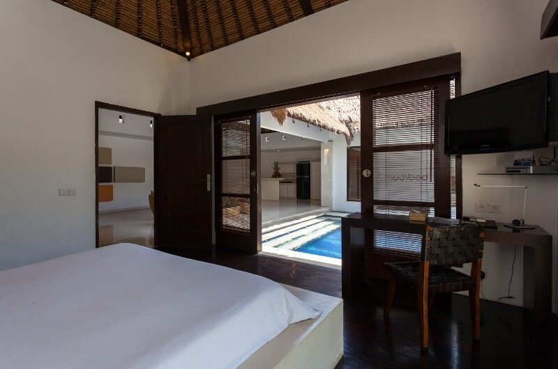 Pool Side Bedroom - Bvilla Spa - Seminyak, Bali