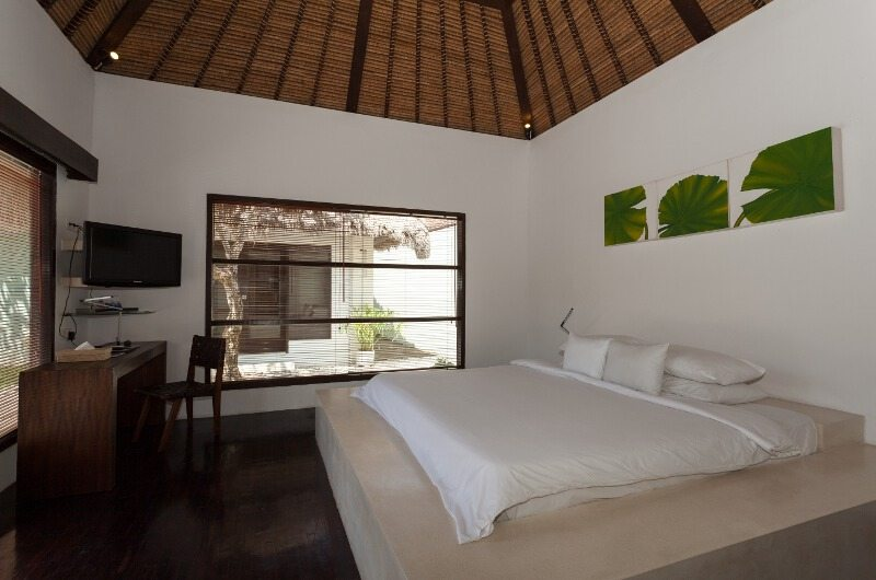 King Size Bed with TV - Bvilla Spa - Seminyak, Bali