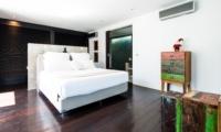 Bedroom with Wooden Floor - Casa Hannah - Seminyak, Bali