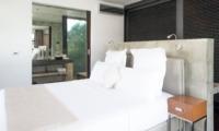 Bedroom and En-Suite Bathroom - Casa Hannah - Seminyak, Bali