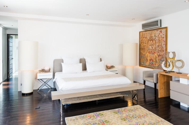 Bedroom with Side Table - Casa Hannah - Seminyak, Bali