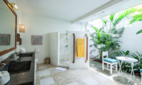 En-Suite His and Hers Bathroom - Casa Lucas - Seminyak, Bali