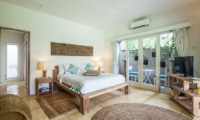 Bedroom with Seating Area and TV - Casa Lucas - Seminyak, Bali