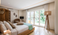 King Size Bed with TV - Casa Lucas - Seminyak, Bali