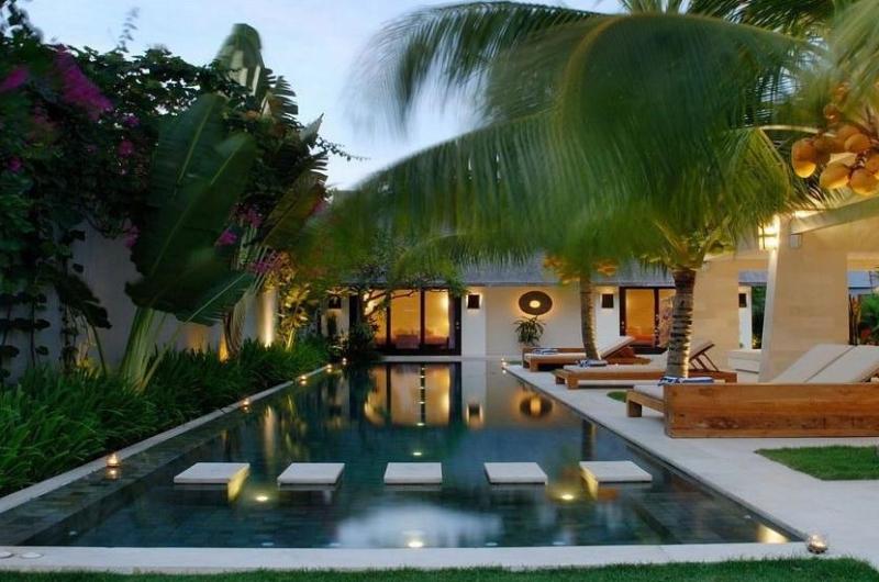 Swimming Pool - Casa Mateo - Seminyak, Bali