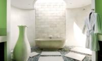 Bathtub - Casa Mateo - Seminyak, Bali