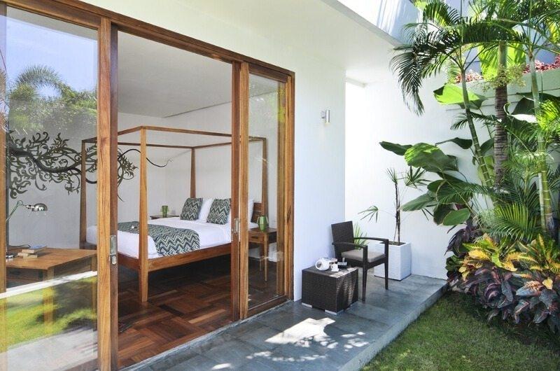 Bedroom with Garden View - Casa Cinta 1 - Batubelig, Bali
