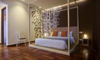 Four Poster Bed - Casa Cinta 1 - Batubelig, Bali