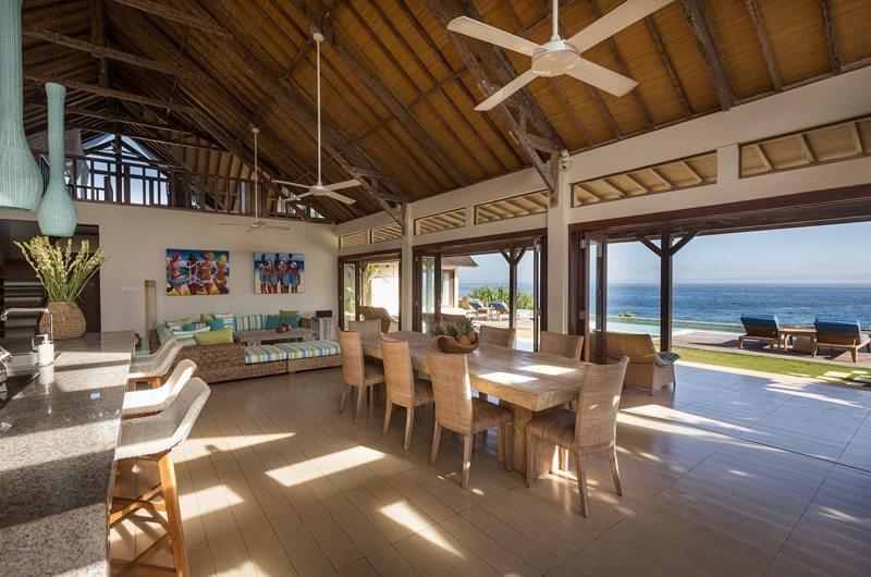 Living and Dining Area - Casa Del Mar - Nusa Lembongan, Bali