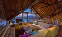 Family Area with TV - Casa Del Mar - Nusa Lembongan, Bali