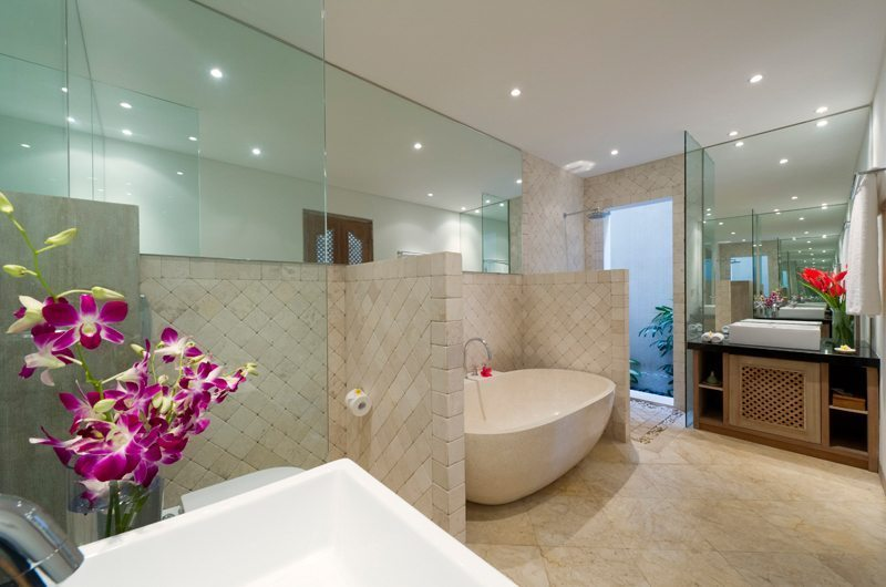 En-Suite Bathroom - Cempaka Villa - Candidasa, Bali