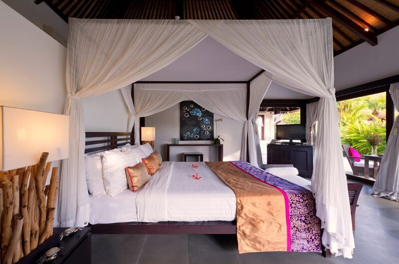 Four Poster Bed with TV - Chalina Estate - Canggu, Bali