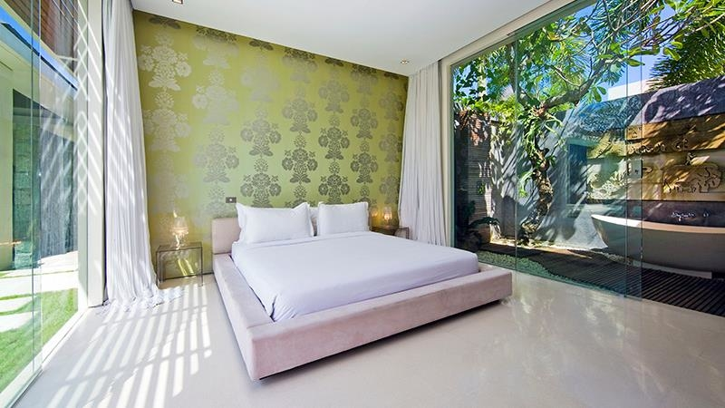 Bedroom and En-Suite Bathroom - Chandra Villas 2 - Seminyak, Bali