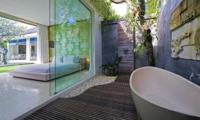 En-Suite Bathroom with Bathtub - Chandra Villas 2 - Seminyak, Bali