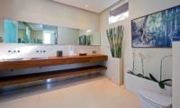 Bathroom with Mirror - Chandra Villas 2 - Seminyak, Bali