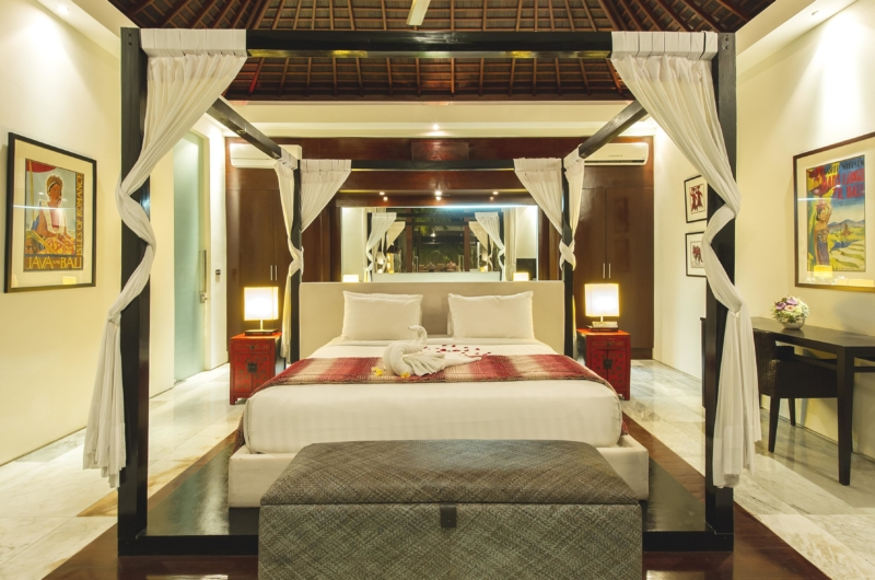 Bedroom with Study Table - Chandra Villas 8 - Seminyak, Bali