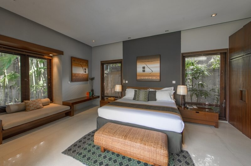 Bedroom with Sofa - Chimera Villas - Seminyak, Bali