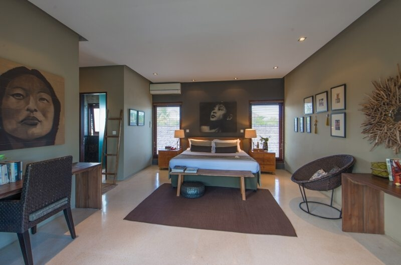 Bedroom with Study Table - Chimera Villas - Seminyak, Bali
