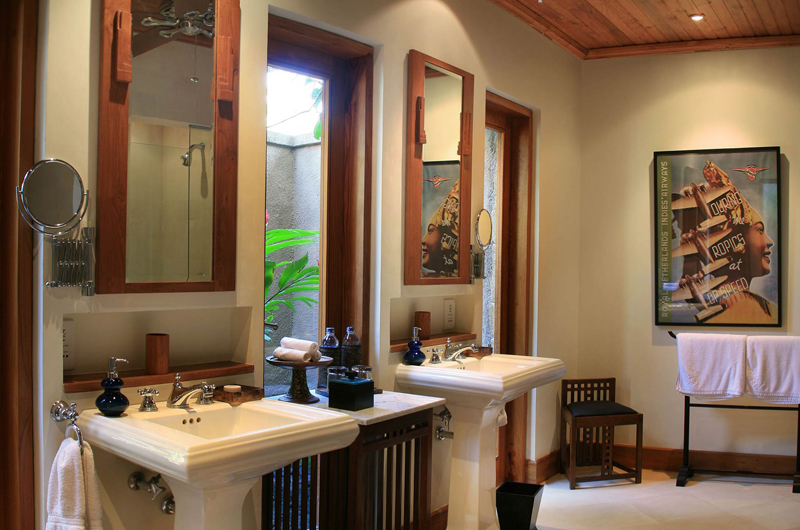 En-Suite His and Hers Bathroom - Des Indes Villas Villa Des Indes 1 - Seminyak, Bali