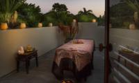 Outdoor Spa - Des Indes Villas Villa Des Indes 2 - Seminyak, Bali