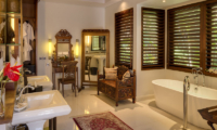 En-Suite Bathroom with Bathtub - Des Indes Villas Villa Des Indes 2 - Seminyak, Bali