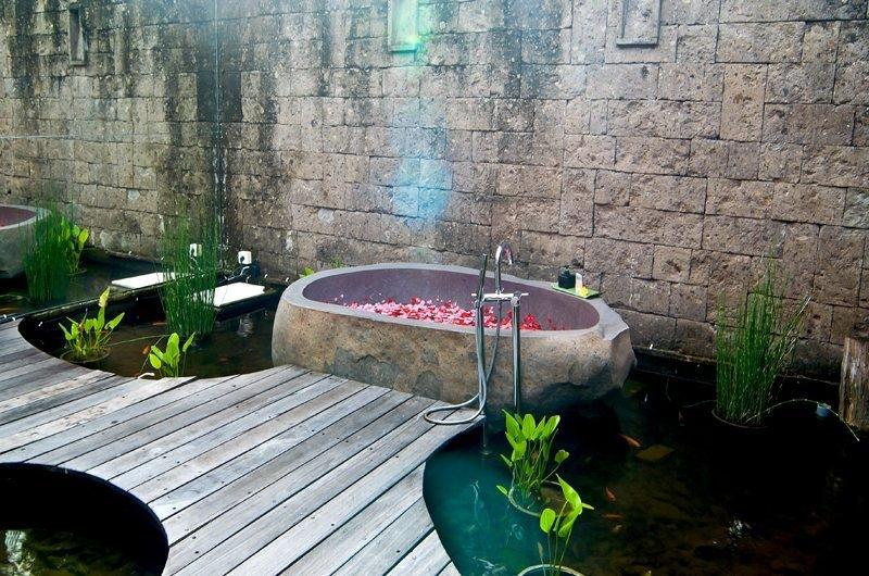 Romantic Bathtub Set Up - Eko Villa Bali - Seminyak, Bali