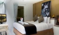 Bedroom with TV - Esha Drupadi I - Seminyak, Bali
