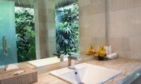 En-Suite Bathroom with Mirror - Esha Drupadi I - Seminyak, Bali