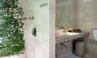 Semi Open Bathroom - Esha Drupadi I - Seminyak, Bali
