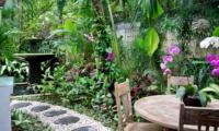 Outdoor Dining - Esha Drupadi I - Seminyak, Bali