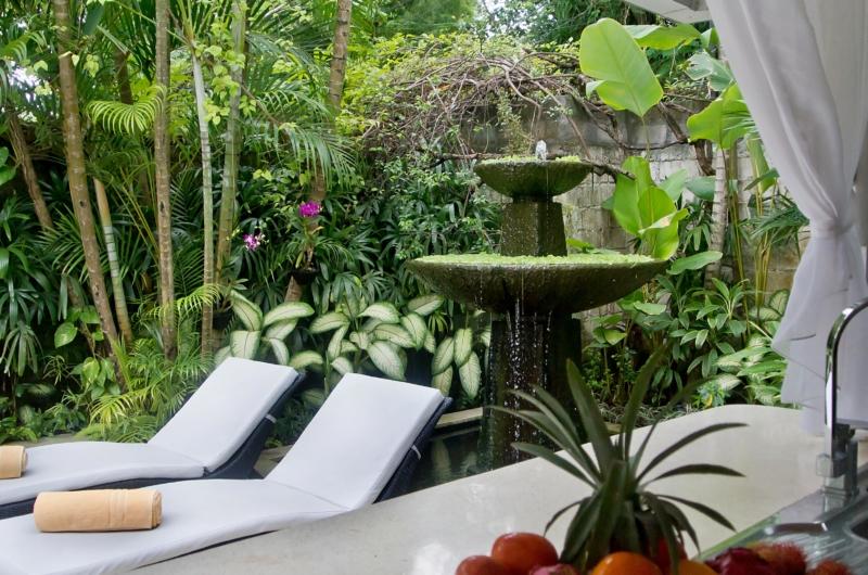 Sun Loungers - Esha Drupadi I - Seminyak, Bali