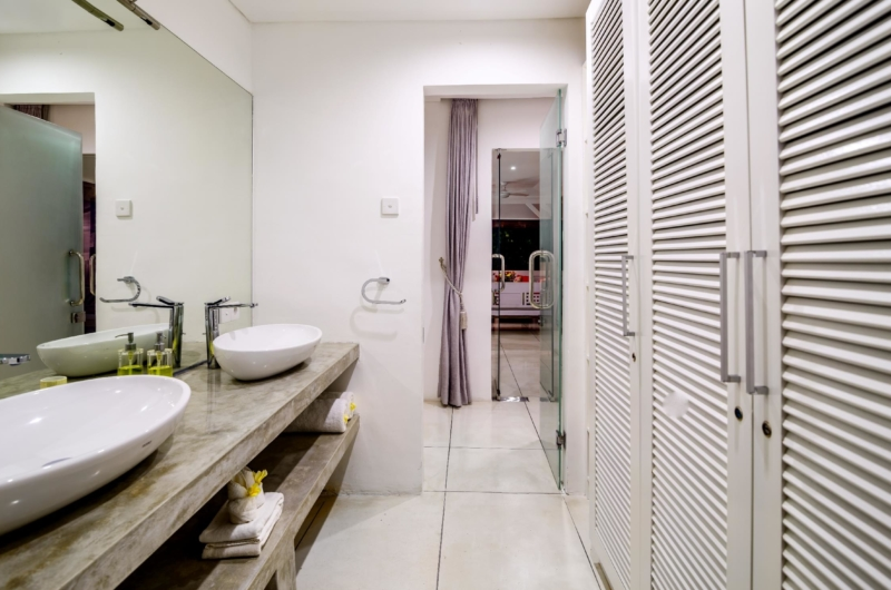 His and Hers Bathroom with Mirror - Esha Drupadi II - Seminyak, Bali