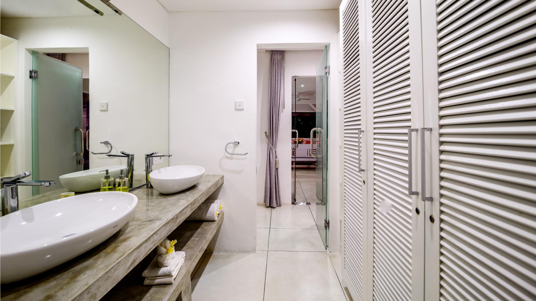 His and Hers Bathroom with Mirror - Esha Drupadi II - Seminyak, Bali