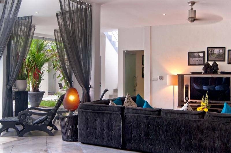 Lounge Area with TV - Esha Seminyak - Seminyak, Bali