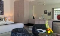 Bedroom with Mirror - Esha Seminyak - Seminyak, Bali