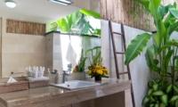 Semi Open Bathroom with Flower Pot - Esha Seminyak - Seminyak, Bali